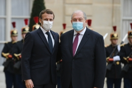 Armenian, French Presidents discuss Karabakh in Paris