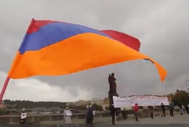 Armenians rally to denounce Czech sale of artillery to Azerbaijan