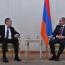Лавров: Делегация из РФ обсудит с Пашиняном межведомственный центр гум.реагирования по Карабаху