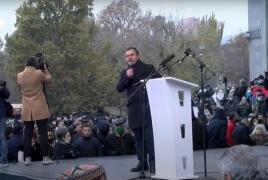 Оппозиция дала Пашиняну время уйти в отставку до 8 декабря