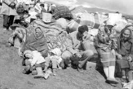 Baku uses photos of Armenian refugees as Azeri propaganda
