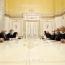 Пашинян - Зарифу: Для РА приоритетно возвращение пленных, этот пункт заявления должен быть выполнен