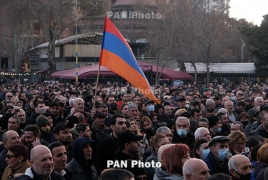Opposition demands urgent meeting with Armenia's Sarkissian