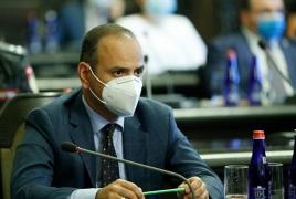 Official: Azerbaijan holding over 100 Armenian citizens captive