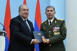 Президент Армении вновь встретился с начальником Генштаба
