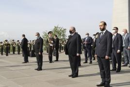 Делегация Сената Франции почтила память жертв Геноцида армян: От имени Макрона возложен венок