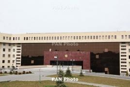 Army makes Azeri troops stop engineering work on Armenian soil