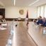 Министр обороны Армении и командир миротворцев РФ обсудили ситуацию на границе с Азербайджаном