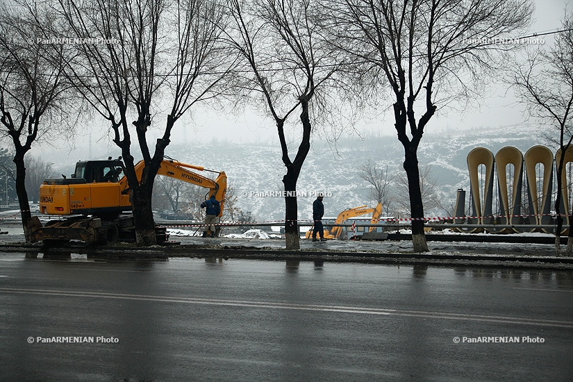 Demolition of Proshyan Street fence