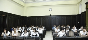 Prime Minister Tigran Sargsyan conducts the last lesson with schoolchildren in Government building