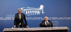 Joint press conference of FM of Armenia Edward Nalbandian and of Sweden Carl Bildt