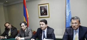 Secretary-General of the World Tourism Organization Taleb Rifai signs a contract with RA Minister of Economy Tigran Davtyan