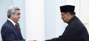 Ambassador of Malaysia to Armenia Zainol Abidin Bin Omar presents his credentials to RA President Serzh Sargsyan