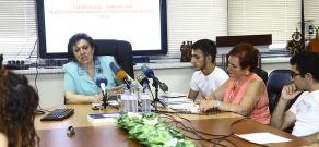 RA Minister of Diaspora Hranush Hakobyan receives holders of Luys Foundation scholarship