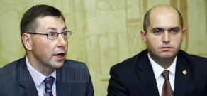 Press conference of Minister of Education and Science of Armenia Armen Ashotyan and of Lithuania Gintaras Steponavičius