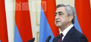 RA President Serzh Sargsyan gives awards on Armenia's Independence 20th anniversary occasion