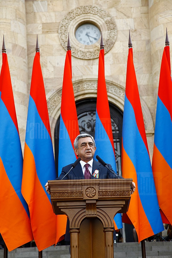 RA President Serzh Sargsyan receives members of Parliament on the occasion of Armenia's Independence 20th anniversary