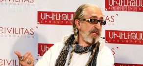 Discussion organized by Civilitas Foundation with US-based Armenian playwright, artist, actor and comic Vahe Berberian