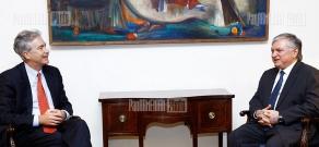 RA FM Edward Nalbandian receives Deputy Secretary of State William Burns