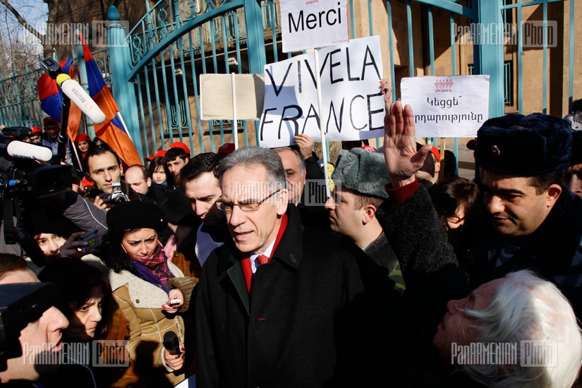 Armenian youth organizations gather in front of Embassy of France in Armenia to express their gratitude to French Senate for passing the bill criminalizing the Armenian Genocide