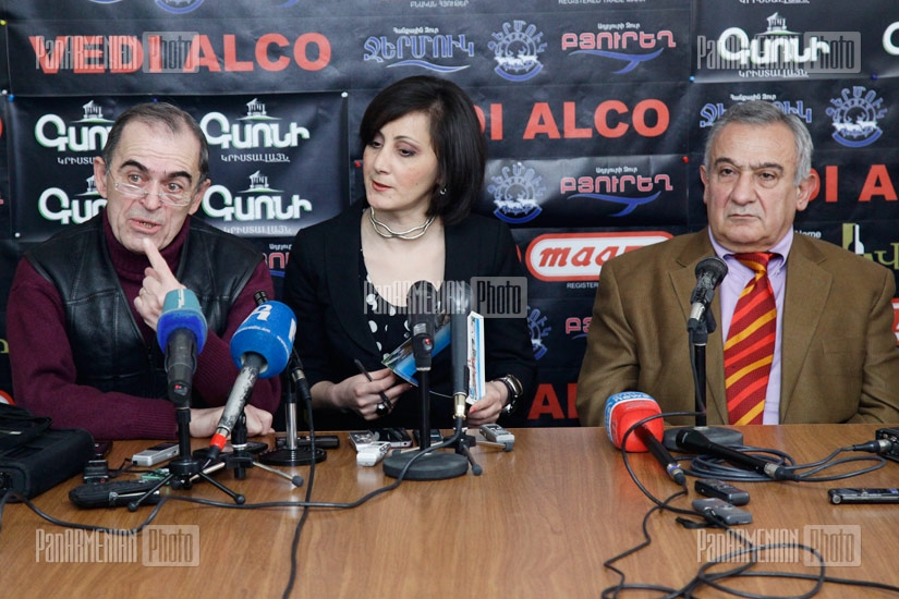 Press conference of artists Levon Igityan and Davit Gasparyan