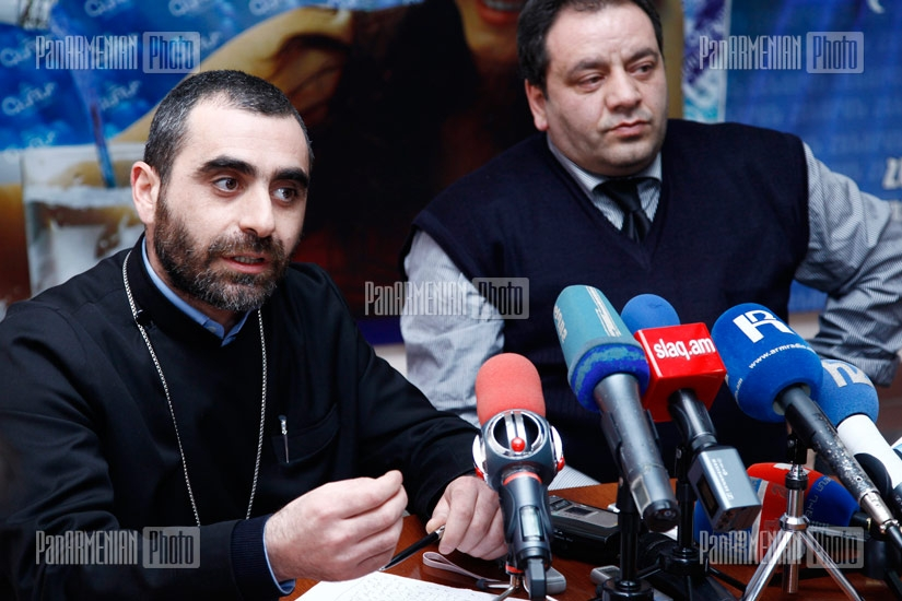 Press conference of Alexander Amaryan, the head of the center for aid and rehabilitation to the victims of destructive cults and priest Yesai Artenyan