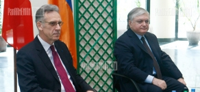 French Ambassador to Armenia Henry Renault and RA FM Edward Nalbandian meet with UFAR students