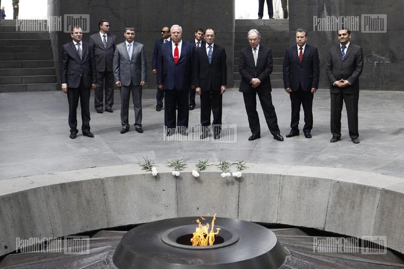FM of Belarus Sergei Martynov visits Armenian Genocide Memorial