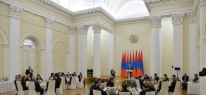 Meeting of President Serzh Sargsyan with French scientist, one of the forefathers of Internet Louis Pouzin and  ceremony of the cancelling a special envelop dedicated RA Presidential Award recipients