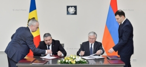Minister of Foreign Affairs of Armenia Edward Nalbandian and Moldova's Deputy PM, Minister of Foreign Affairs and European Integration Andrei Galbur sign an agreement on visa liberalization