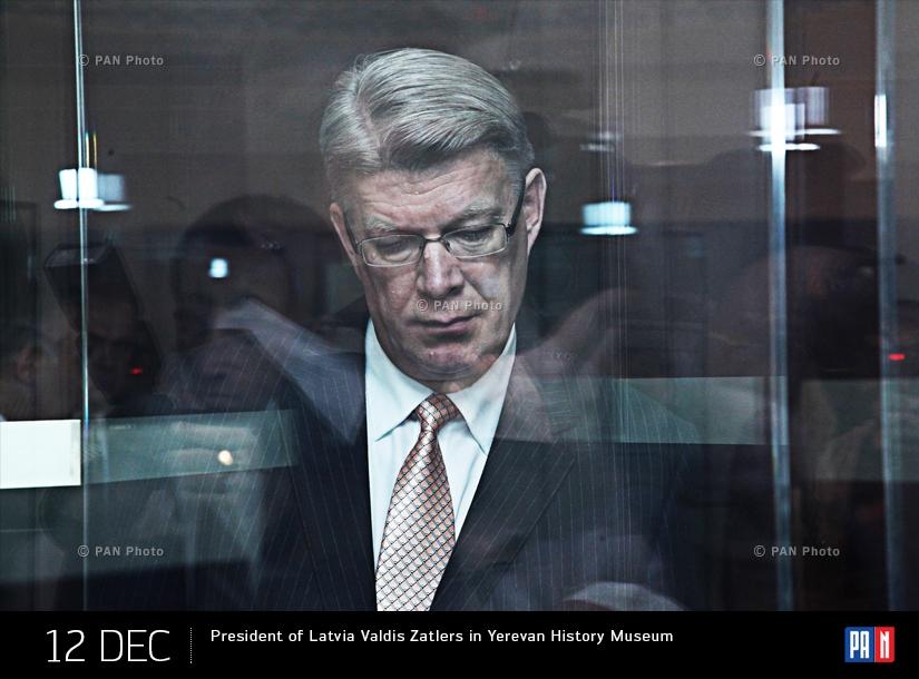 Президент Латвии Валдис Затлерс в Музее истории Еревана