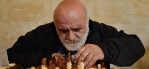 Сеанс одновременной игры в шахматы при участии двух гроссмейстеров