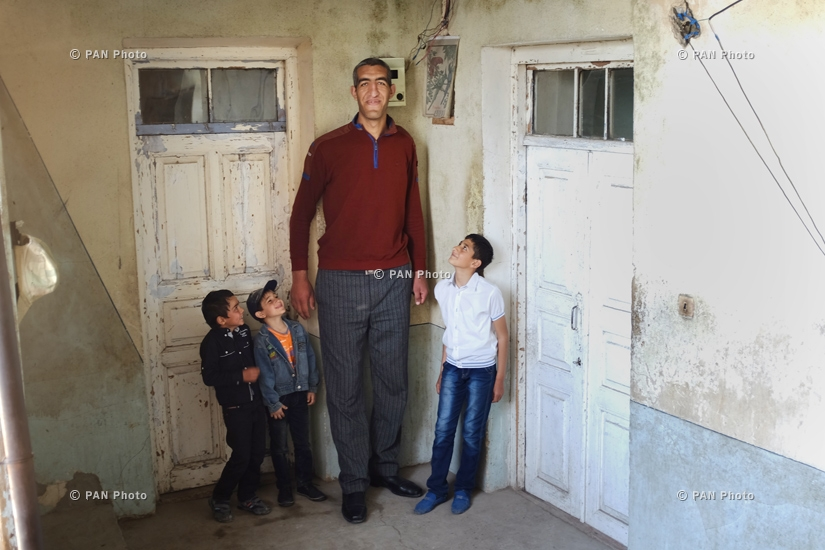 The tallest man in Armenia (2m 34 cm): Arshavir Grigoryan