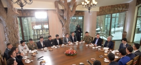 Armenian President Serzh Sargsyan met with decommissioned servicemen