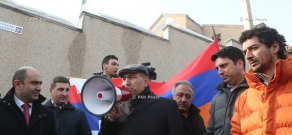 Armenians rally in front of Belarusian embassy in Yerevan to protest blogger Alexander Lapshin's extradition to Azerbaijan