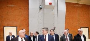 Կարեն Կարապետյանը ԵՊՀ ղեկավարության և պրոֆեսորադասախոսական կազմի հետ