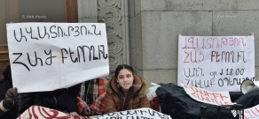 Sit-down strike in support of Artur Sargsyan who supplied food to the members of 'Sasna Tsrer' group