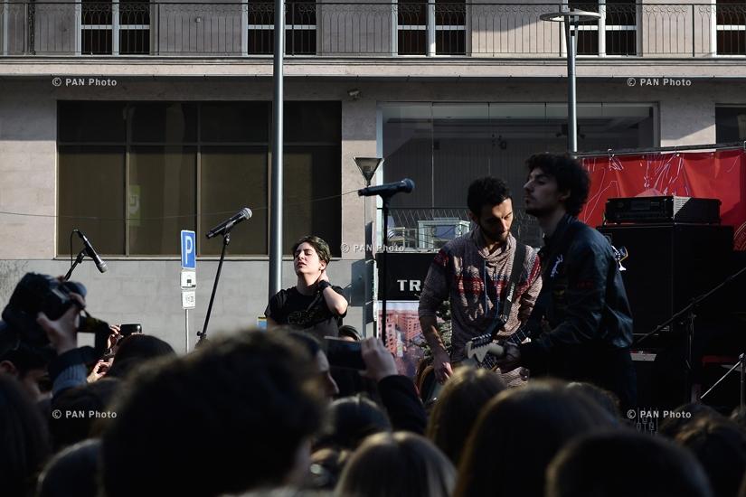 Nemra ռոք խմբի բացօթյա համերգը Երևանում