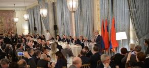 In Paris Armenian President Serzh Sargsyan met with the representatives of Armenian communities of Europe