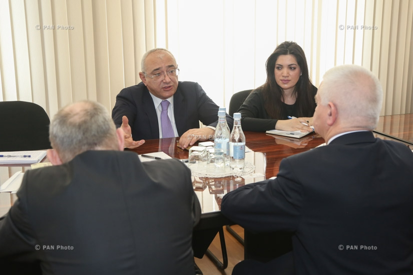 Armenia CEC chief Tigran Mukuchyan meets with CIS observers for parliamentary elections in Armenia