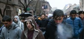 «Հաց բերող» Արթուր Սարգսյանի հիշատակին նվիրված բողոքի երթ Երևանում