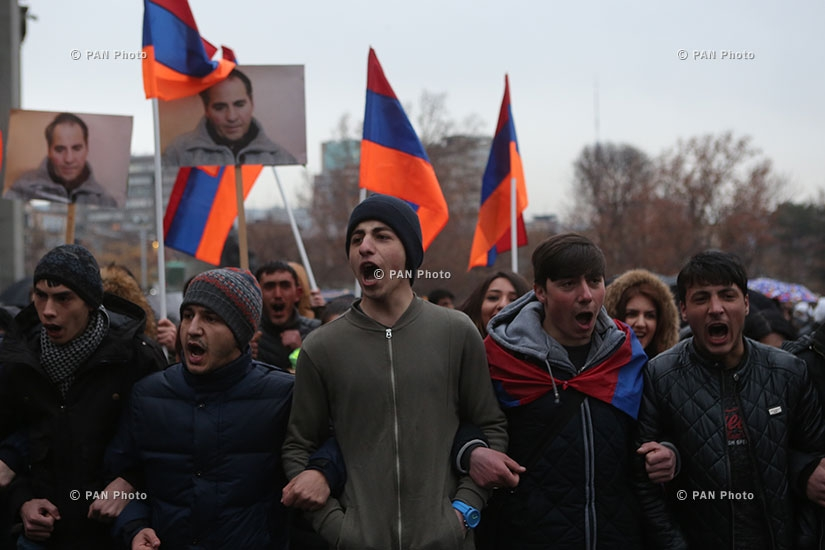 Protest in memory of Artur Sargsyan who supplied food to the members of 'Sasna Tsrer' group. Day 3