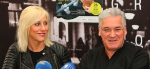 Press conference of violinist Pinchas Zukerman and cellist Amanda Forsyth