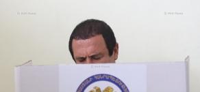 Armenia parliamentary elections: Head of 'Tsarukyan' bloc Gagik Tsarukyan  cast a ballot