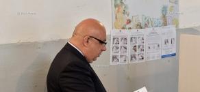 Armenia parliamentary elections: MP candidate from 'Free Democrats' party Khachatur Kokobelyan cast a ballot