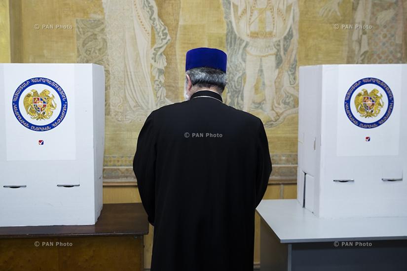 Catholicos of All Armenians Karekin II cast a ballot