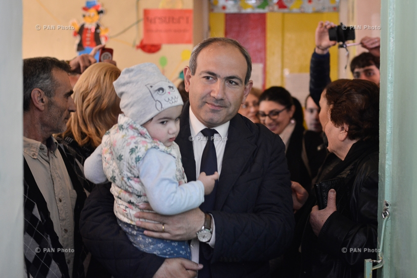 MP candidate from Yelk (Exit) Alliance Nikol Pashinyan cast a ballot