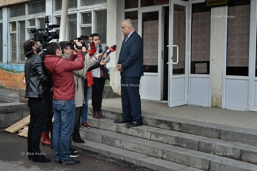 MP candidate from ORO alliance Raffi Hovannisian cast a ballot