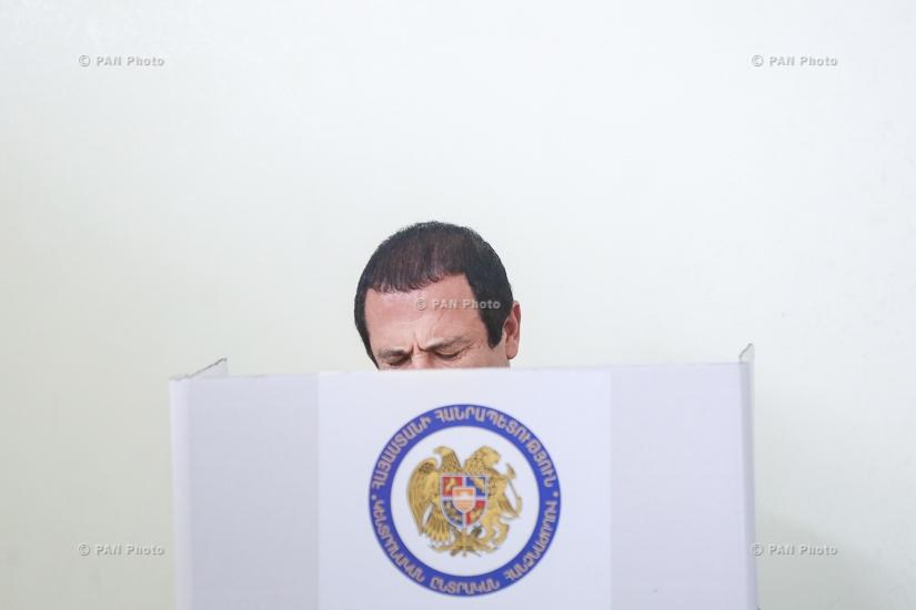 Head of 'Tsarukyan' bloc Gagik Tsarukyan cast a ballot