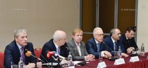 Press conference of CIS observation mission representatives